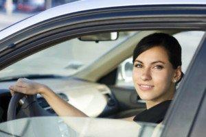 Guidare la macchina con le lenti a contatto